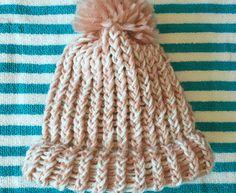 czapeczka z pomponem