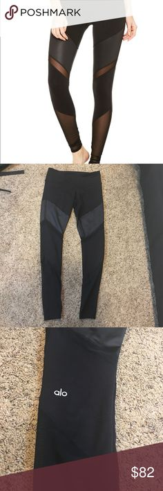 ALO yoga Sheila leggings black small Like-new Sheila leggings from Alo Yoga. Size small, black. I wore these twice, but they just aren't my style. Washed on cold with other ALO/lululemon items and hung to try. No flaws. ALO Yoga Pants Leggings