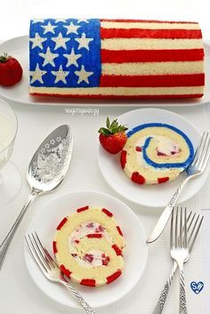 How to Make a Lemon Sponge Flag Roll Cake -SugaryWinzy Bake your flag on a luscious lemon roll cake to liven up any occasion, or just bake the cake plain with a dusting of powdered sugar to finish it off. Oreo Dessert, Brownie Desserts, Mini Desserts, Cake Roll Recipes, Dessert Recipes, Sponge Roll Cake Recipe, Swiss Roll Cakes, Jelly Roll Cakes, Cupcake Cakes