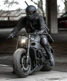 Man. This cafe racer... Gorgeous!!!