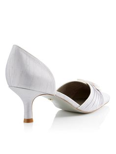PIPED DETAIL SHOE