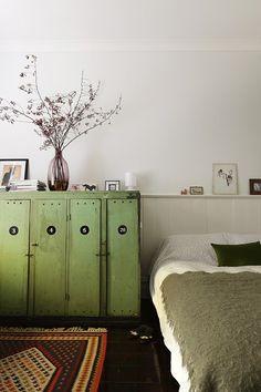 CHDC-Prunella-lockers The design files Dream Bedroom, Home Bedroom, Bedroom Decor, Bedroom Storage, Vintage Lockers, Metal Lockers, Vintage Cabinet, Sweet Home, Style Deco