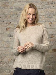 Familie Journal - strikkeopskrifter til hende Knitting Designs, Knitting Patterns Free, Free Knitting, Free Pattern, Knitting Sweaters, Knitting Ideas, Cross Stitch Charts, Facon, Lana