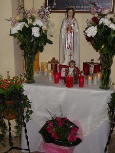 Facebook...  La más bella Rosa. La Santisima Virgen Maria Rosa Mistica