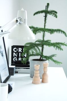 Via Rum for Tva | Black White Wood | Scandi Christmas