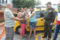 Noticias de Cúcuta: Taxista, padre de un policía, le devolvió a una mu...