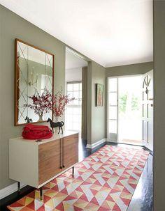 Rood en groen zijn complementaire kleuren en versterken elkaar.