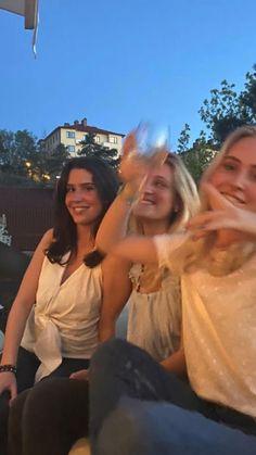 Best Friend Pictures, Friend Photos, Summer Baby, Summer Girls, Besties, European Summer, French Summer, Italian Summer, Summer Aesthetic