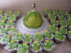 Disney Party Ideas: The Princess and the Frog Party Princesa Tiana, 5th Birthday Party Ideas, 2nd Birthday, Lila Party, Frog Baby Showers, Frog Cakes, Frog Theme, Ballerina Birthday, Disney Princess Party