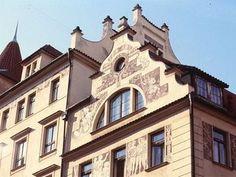 Kudy z nudy - Plavby po Vltavě - Pražské Benátky Czech Republic, Prague, Mansions, House Styles, Manor Houses, Villas, Mansion, Bohemia, Palaces
