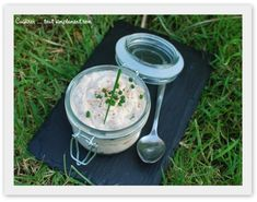 ça sent bon le barbecue et la plancha depuis quelques jours dans les jardins ... je vous propose aujourd'hui une recette de rillettes idéale pour des apéros entre amis sur votre terrasse ... Ingrédients 200g de crevettes cuites et décortiquées 150g de...