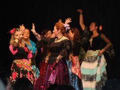 """Em sua terceira edição, o evento """"Eu, Tu, Eles, Nozes & Vozes"""" abre espaço para teatro, música, literatura, vídeo, artes plásticas, dança, show de mágicas, sombras e contação de histórias. A entrada é Catraca Livre."""