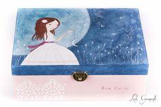 #Joyero de #madera #muñeca con #luna. Para la #Comunión de Ana Rocío, pintado a mano. www.lolagranado.com
