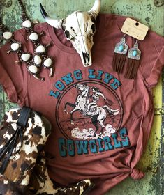 Cowgirl Shirts, Cowgirl Outfits, Western Outfits, Country Style Outfits, Country Fashion, Western Chic, Western Wear, Swimsuits For Teens, Matching Couple Shirts