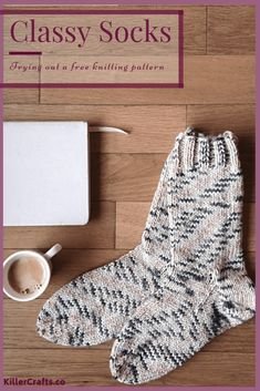 Knitting socks for beginners free pattern yarns ideas Knitting Patterns Free Dog, Knitted Socks Free Pattern, Knitting Blogs, Knitting For Beginners, Knitting Socks, Free Knitting, Knitting Projects, Knit Socks, Chevron