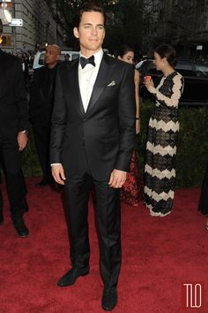 Matt-Bomer-Met-Gala-2015-Red-Carpet-Fashion-Giorgio-Armani-Tom-Lorenzo-Site-TLO (2)