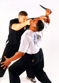 Where can I find Krav Maga near me? Get a free Krav Maga Manchester class today. Get our schedule and web self defence manchester offer today Self Defense Classes, Self Defense Tips, Self Defense Techniques, Krav Maga Kids, Learn Krav Maga, What Is Krav Maga, Israeli Self Defense, Israeli Krav Maga, Krav Maga Techniques