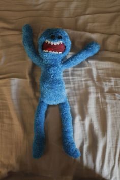 DIY Rick and Morty Mr. Meeseeks doll, from socks!