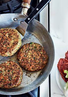 Hambúrguer de grão-de-bico e espinafre                                                                                                                                                                                 Mais