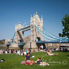 Sunny London - Tower Bridge