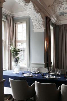 Royal Copenhagen er synonymt med kompromissløs kvalitet, lidenskap for håndverk, lidenskap for kunst og lidenskap for å føre porselenshistorien videre.