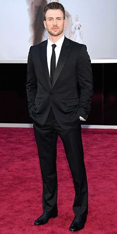 All the Star Arrivals at the Oscars! : Chris Evans