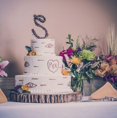 _RSP0106.jpg Our wedding cake!