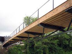 Fussgängerbrücken Oloron-Sainte-Marie, Architektur und Statik: RFR Group, Paris. (Foto: Schaffitzel Holzindustrie, aus Jurybericht)