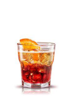 Negroni sbagliato. Preparación: 1 parte Campari - 1 parte Vermouth Cinzano rosso - 1 parte Pinot Chardonnay Cinzano. Servir en un vaso con doble de hielo. Decorar con una rodaja de naranja. #micoctelcampari