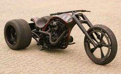 Les trikes – ou tricycles motorisés – sont ces véhicules routiers mi-motocyclette, mi-automobile aus... - Photo Pinterest