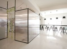 Nordic Bros Design Community has completed the interior of Una's Kitchen, a bakery and classroom in Seoul, South Korea. Minimalism Interior, Interior Architecture Office, Interior, Classroom Interior, Office Interiors, Commercial Interiors, Glass Room Divider, Doors Interior, Interiors Dream