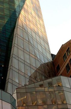 French Architect lvmh tower, designedthe french architect christian de