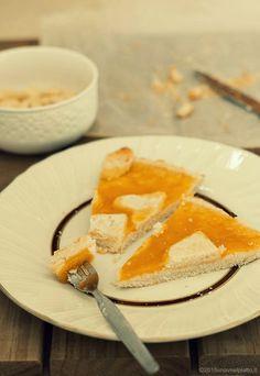 Pastry corn oil eggs and butter free http://www.unavnelpiatto.it/ricette/frolla-allolio-con-confettura-di-albicocche.php
