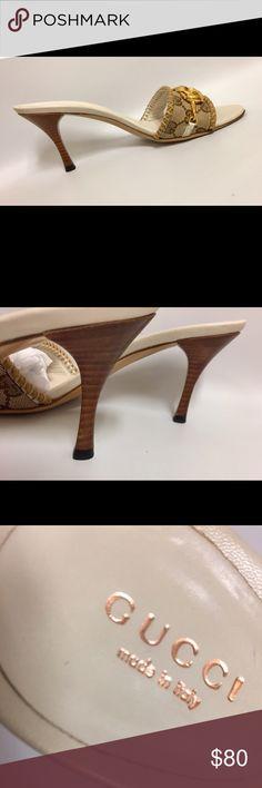 Gucci Logo monogram Horse-bit Slide Mule Heels. Women's Size 6 Gucci Beige and Cream Horse-bit style Slide Heels. Gucci Shoes Mules & Clogs