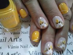 Fall Nail Art, Cute Nail Art, Cute Nails, Pretty Nails, Luxury Nails, Elegant Nails, Yellow Nails, Fabulous Nails, Flower Nails