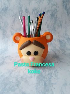 Craft Activities For Kids, Projects For Kids, Clay Crafts, Diy And Crafts, Clay Pen, Pot A Crayon, Clay Figures, Pasta Flexible, Pencil Holder