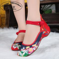Vintage Embroidery Women Flats Shoes Old Beijing Mary Jane Flats Casual Jeans Chinese Embroidered Cloth Denim Woman Plus Size 43