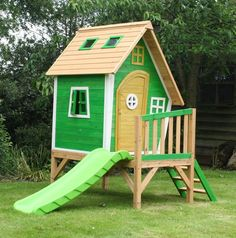 The Whacky Tower Playhouse - Raised Wooden Cubby with Slide Pallet Playhouse, Wooden Playhouse, Wood Storage Sheds, Storage Shed Plans, Pallet Ideas Easy, Diy Pallet Projects, Wood Ideas, Garden Sheds Uk, Playhouse With Slide