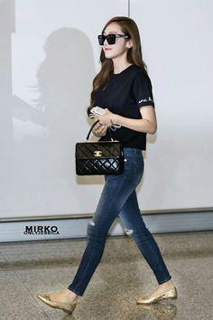 Jessica Jung at HongKong Airport.