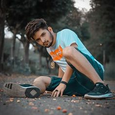 Iphone Background Images, Best Background Images, Photo Poses For Boy, Boy Poses, Lightroom Presets For Portraits, Swag Outfits Men, Photography Poses For Men, Stylish Boys, Bollywood