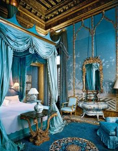 Master Bedroom in Rosekrans' Palazzo Brandolini, Venice, Italy, decorated by Tony Duquette and Hutton Wilkinson, via http://www.marieclaire.it/