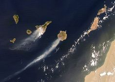 Fuerteventura Island, Beach Meals, Holiday Places, Canary Islands, View Map, Wonderful Places, Cool Photos, Earth, Nature