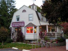 https://flic.kr/p/zJ5Xky | Ice cream parlor | At Farmington Miniature Golf in Farmington, CT.