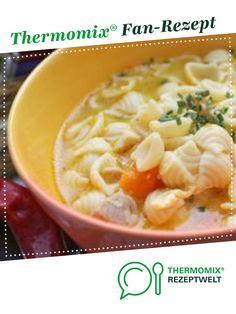 Hausgemachte Hühnersuppe mit Nudeln von faulesocke. Ein Thermomix ® Rezept aus der Kategorie Suppen auf www.rezeptwelt.de, der Thermomix ® Community.