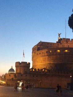Castel Sant'Angelo di sera. Roma nel cuore!