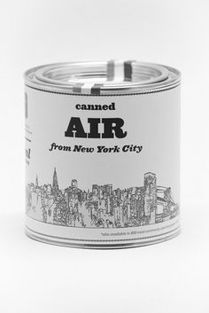Beschrijving: canned air. Bron: tumblr (http://coffeeandsheets.tumblr.com/post/45676749965/wolfves#)