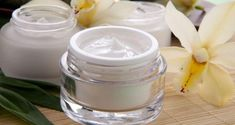 Restore your skin moisturizer by using Natural Anti Aging Cream. Buy Anti Aging Cream for reducing ✅ fine lines ✅ Wrinkles ✅ Dark spots ✅ Sun exposer Find refreshed skin with anti aging cream. Anti Aging Mask, Best Anti Aging Creams, Base Facial, Anti Wrinkle, Herbalism, Breast, Moisturizer, Ethnic Recipes, Skin Products