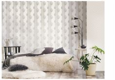 Metal wall makes a stylish statement and brings a ravishing depth and drama to any space. Wallpaper Paste, White Wallpaper, Room Wallpaper, Silver Walls, Bedroom Inspo, Metal Walls, Dark Colors, Accent Colors, Interior Styling