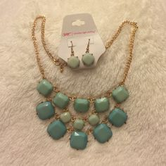 Teal stone necklace with matching earrings Necklace and earring set in teal color. Jewelry Necklaces