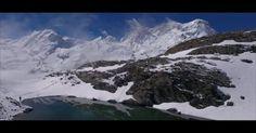 Die Leute von Greenwave haben eine Kameradrohne über die Schweizer Berglandschaften fliegen lassen. Das Ergebnis ist wunderbar entspannend und passt perfekt zum Nationalfeiertag
